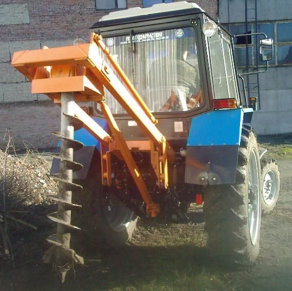 Ostala oprema Yamokopatel (yamobur) navesnoy marki BAM 1,3 na baze traktora MTZ