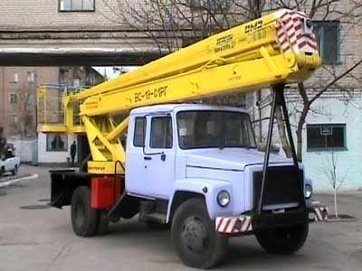 auto dizalica s korpom GAZ VS—18 Podemnik VS—18 s 5ti mestnoy kabinoy