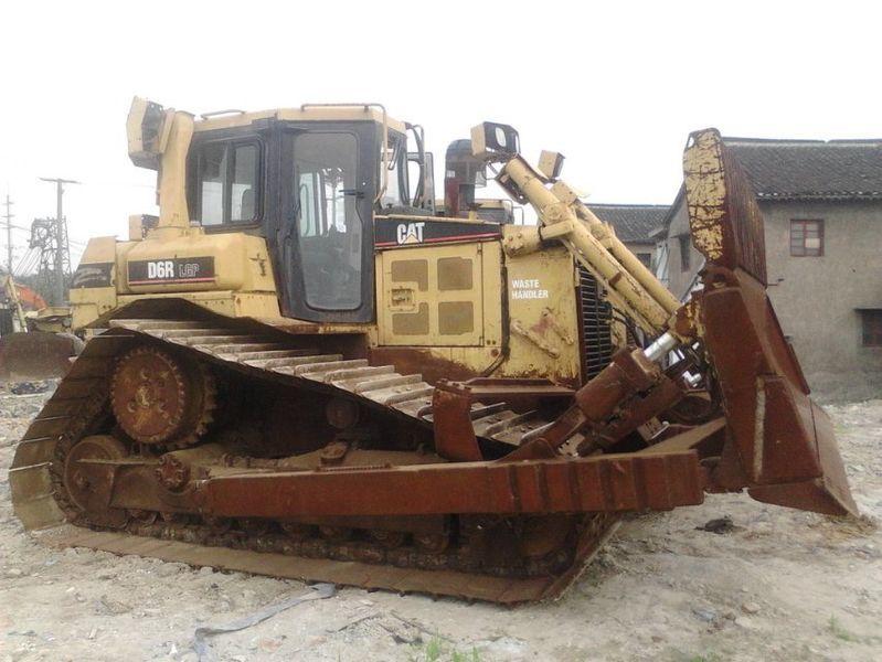 buldožer CATERPILLAR D6R