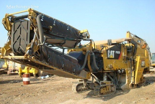 nova glodalica za asfalt CATERPILLAR PM200