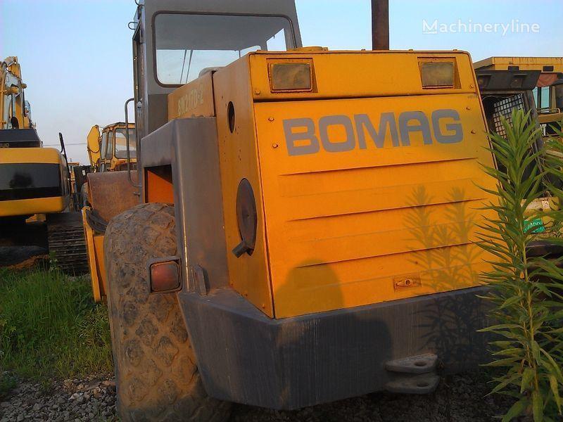 kompaktor s jednim valjkom BOMAG BW217D-2