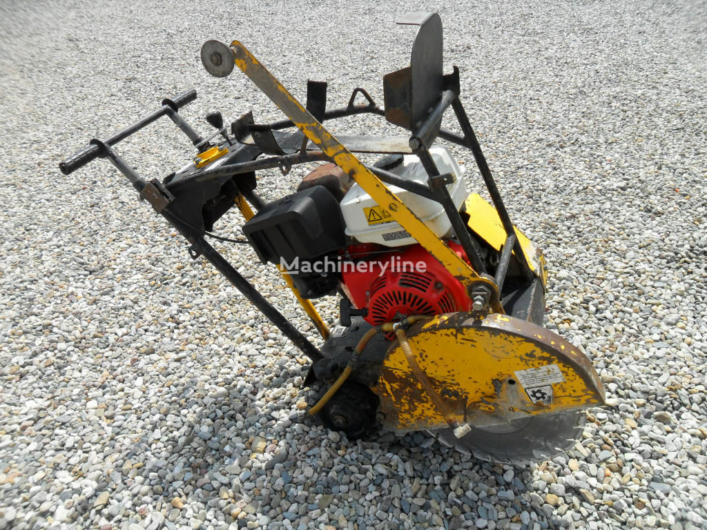 sekač asfalta Řezačka NTC RZ 170