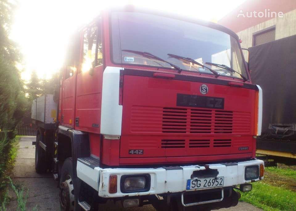 kamion s ravnom platformom JELCZ 442