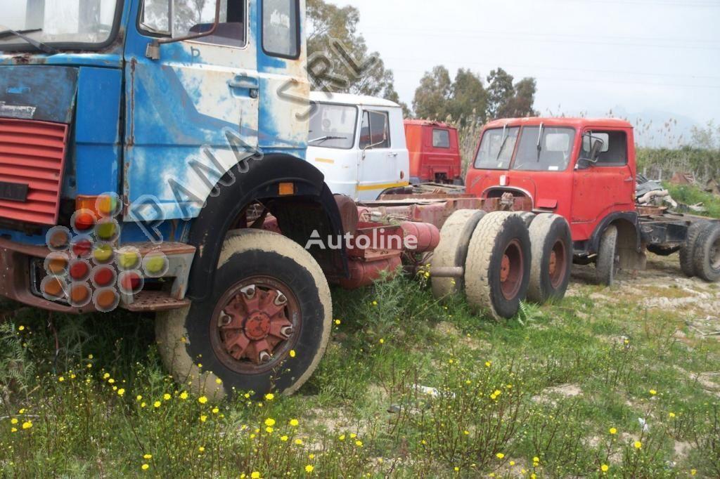 kamion-šasija IVECO 330 26