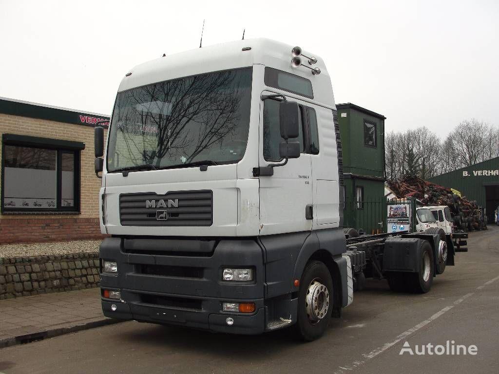 kamion-šasija MAN 26.460