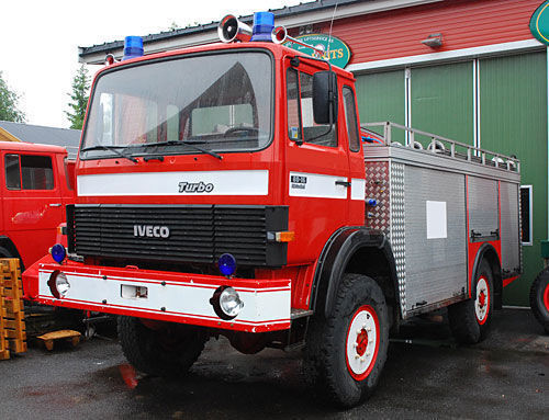 vatrogasno vozilo IVECO 4x4 WD