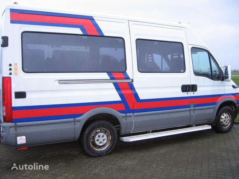 putnički minibus IVECO 35S17  nr. 263