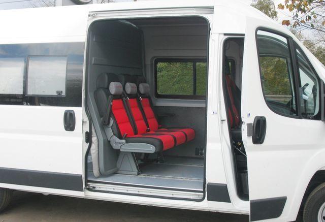 novi teretno-putnički minibus FIAT Ducato Universal Transformer 2 in 1