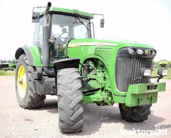 traktor točkaš JOHN DEERE 8320