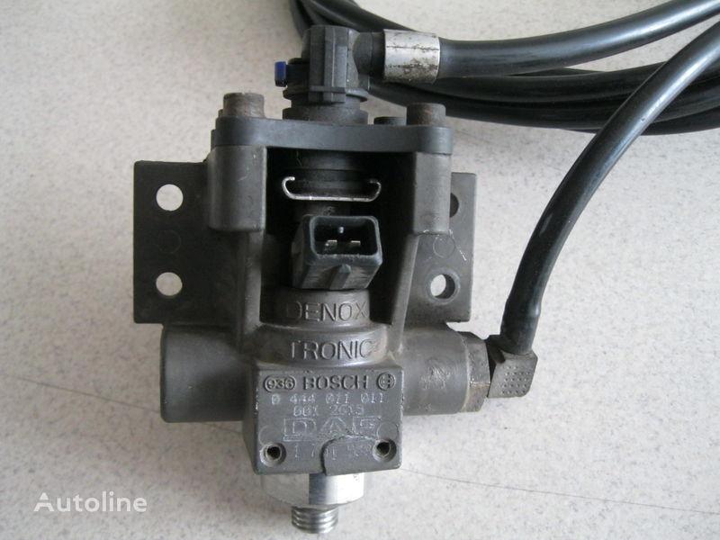 AdBlue rezervoar  ZAWÓR DOZUJĄCY za tegljača DAF XF 105 / CF 85