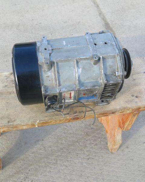 generator  Karier. Carrier Generator holodilnoy ustanovki Karier.Carrier za poluprikolica Carrier