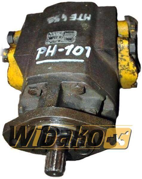 hidraulična pumpa  Hydraulic pump MTE 2453 za bagera 2453