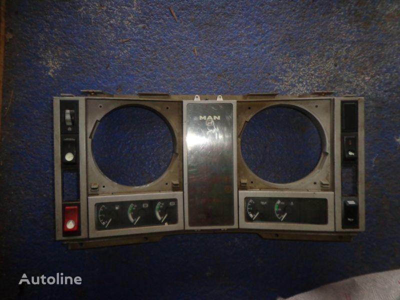 instrument tabla za kamiona MAN F2000