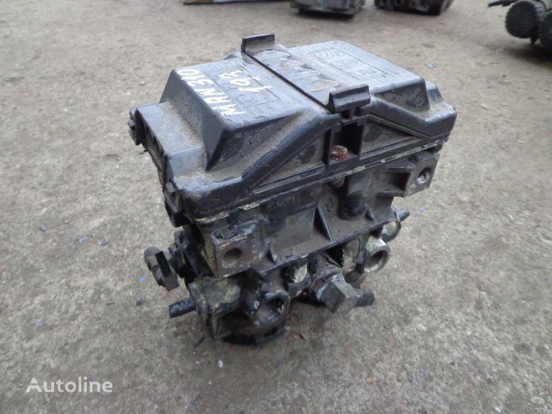 kran  Knorr-Bremse za kamiona MAN TGA