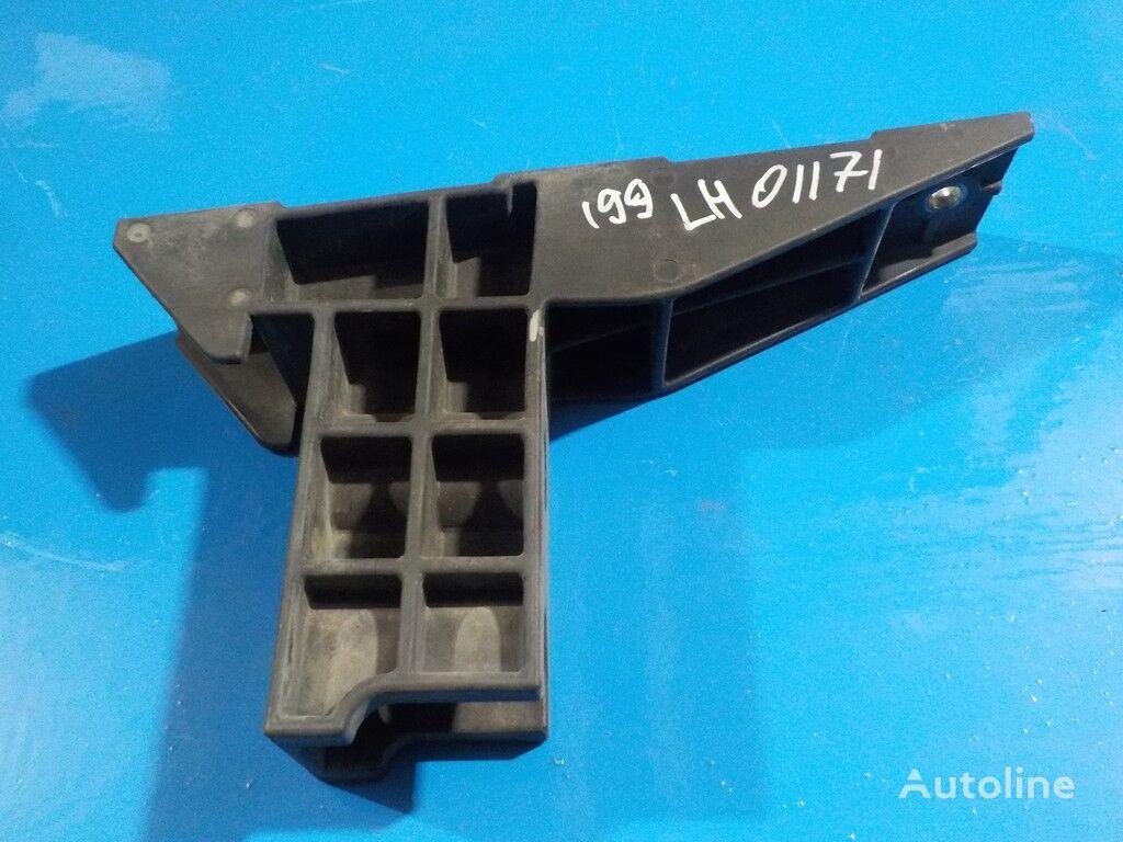 pričvršćivači  Renault Kronshteyn vozdushnogo filtra za kamiona