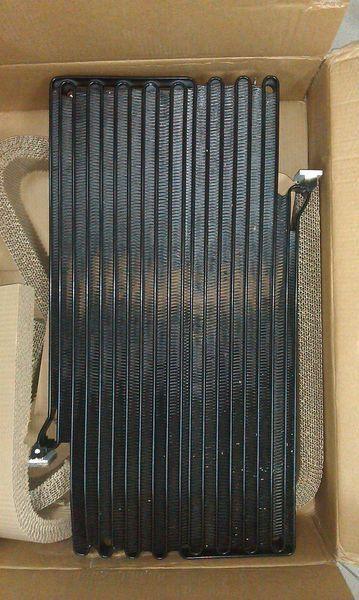novi radijator  kondicionera za bagera VOLVO L220E