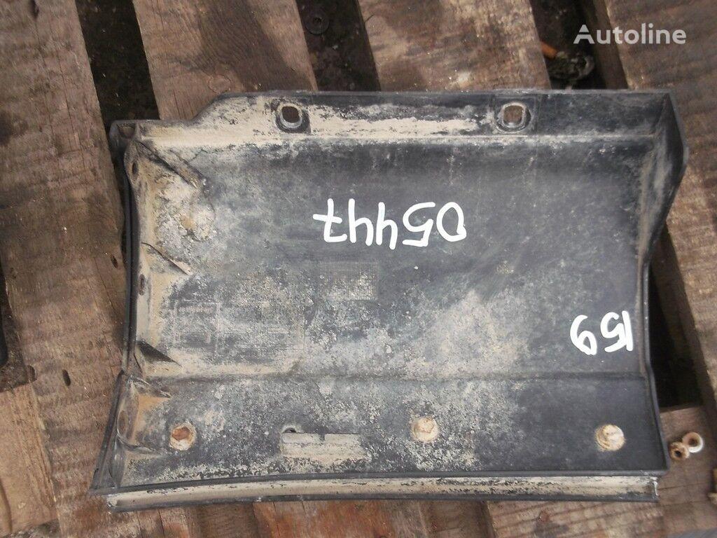 rezervni delovi  Nakladka na krylo RH Iveco za kamiona