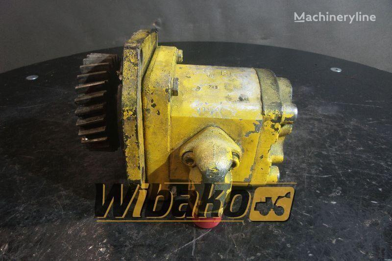 rezervni delovi  Gear pump Bosch 0510666004 za bagera 0510666004