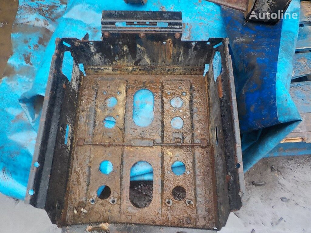 rezervni delovi  Akkumulyatornyy yashchik za kamiona DAF