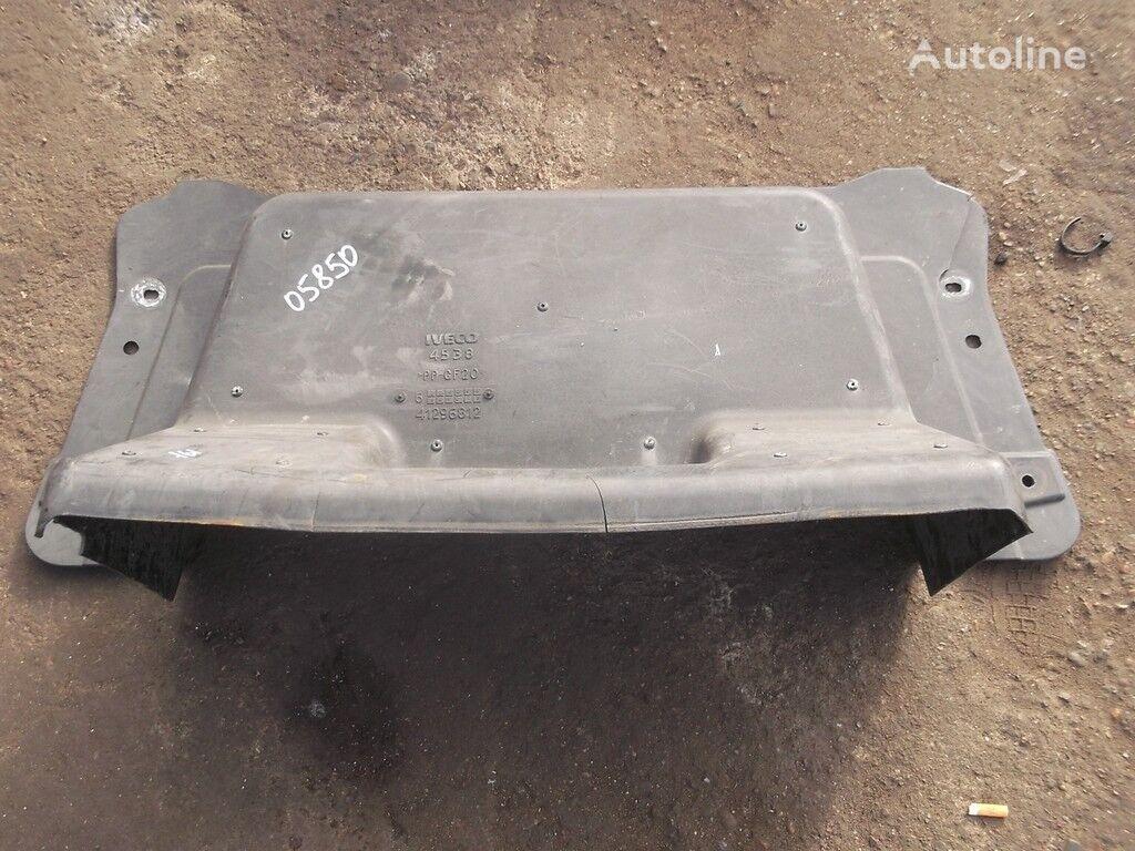 rezervni delovi  Iveco Kozhuh zashchitnyy dvigatelya za kamiona IVECO