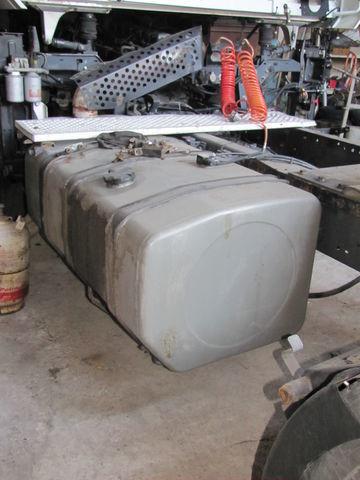 rezervoar za gorivo za tegljača RENAULT MAGNUM