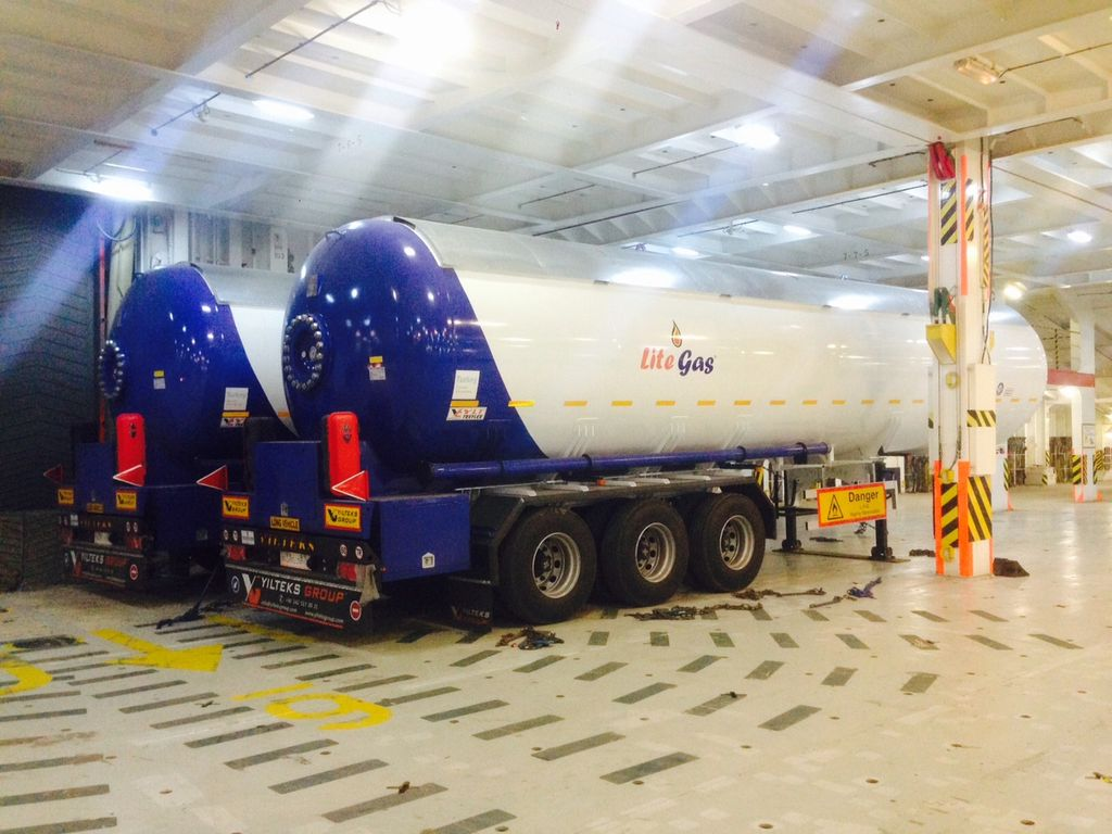 nova cisterna za gas YILTEKS Semi Trailer LPG Tank 57m3