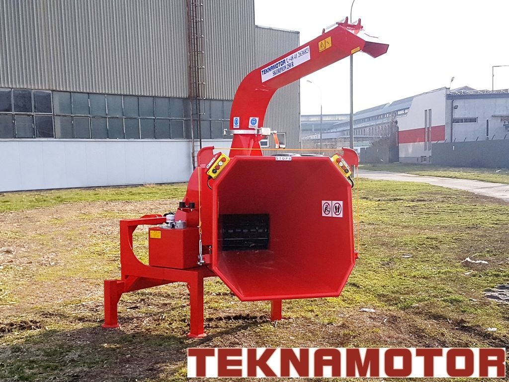 nova drobilica za drvo TEKNAMOTOR Skorpion 250R