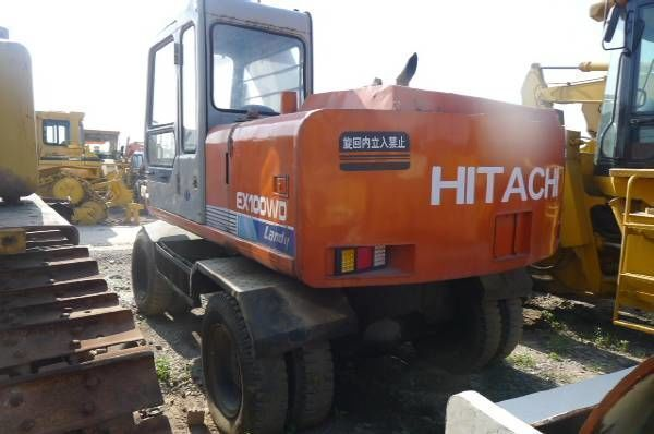 bager točkaš HITACHI EX100WD