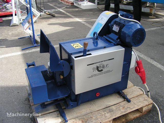industrijska oprema Stanok dlya rubki armatury S-42