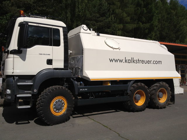 mašina za reciklažu asfalta MAN spreader for laim or cement TGS 33.440 - 6x6