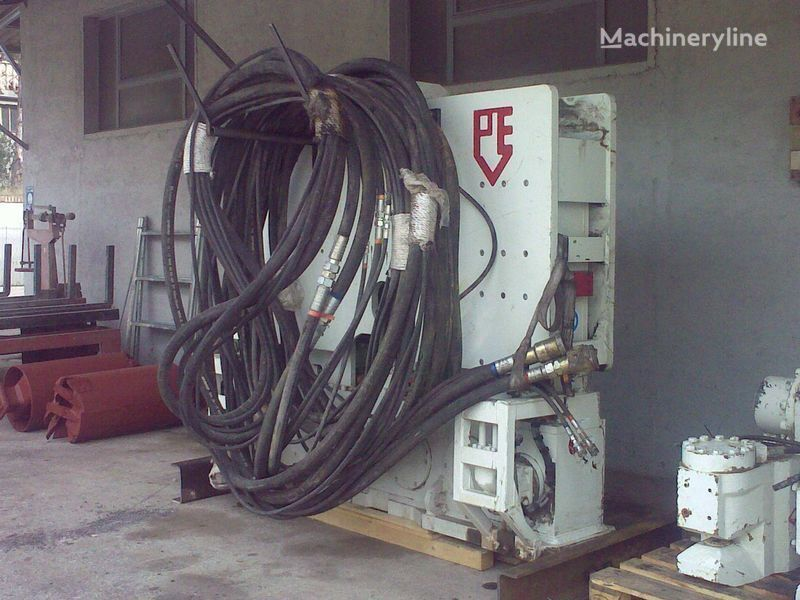 Ostala oprema Vibropogruzhatel  PVE25 M + power unit PVE 480.