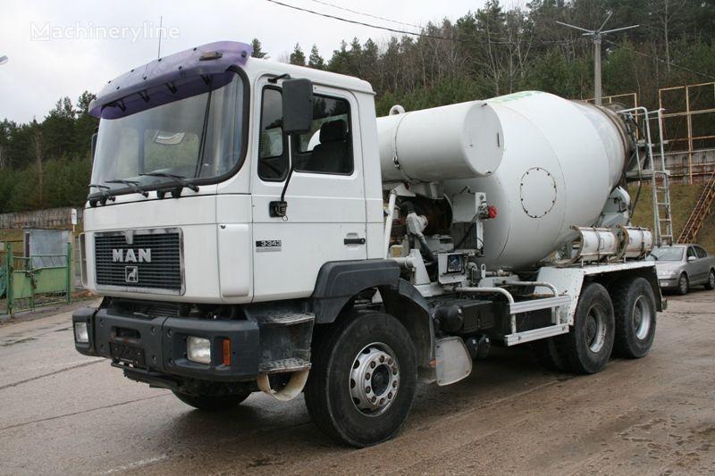kamion s mešalicom za beton MAN 33.343