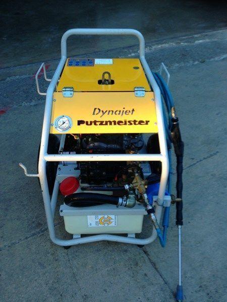 stacionarna betonska pumpa PUTZMEISTER putzmeister dynojet (maquina auxiliar para el plegado de plumas