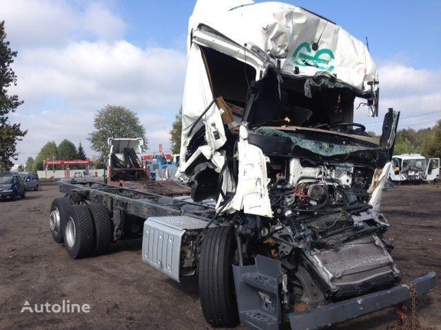 kamion-šasija MERCEDES-BENZ Actros 2642 nakon udesa po rezervnim delovima
