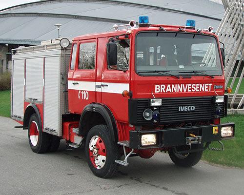 vatrogasno vozilo IVECO 80-16 4x4 WD