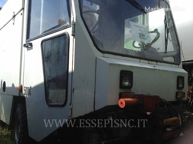 vozilo za čišćenje ulica UNIECO 4000