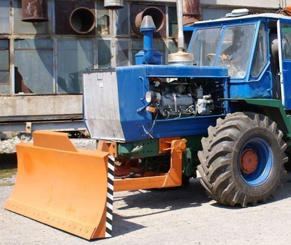 raonik HTZ Buldozernoe oborudovanie (otval, lopata) na traktorah HTZ 150K
