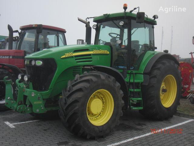 traktor točkaš JOHN DEERE 7820