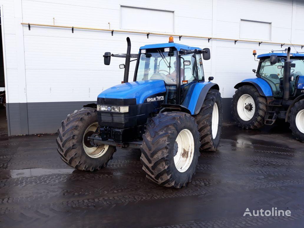 NEW HOLLAND TM135 traktor točkaš