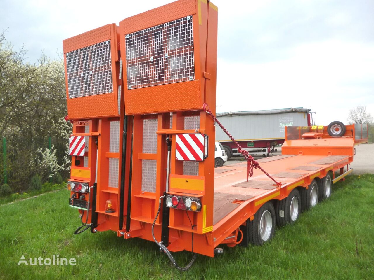 nova JANMIL 4 x SAF with hydraulic ramps poluprikolica sa niskom platformom
