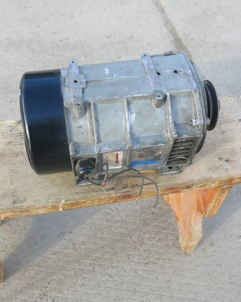 alternator Generator holodilnoy ustanovki Karier.Carrier Karier. Carrier za poluprikolica Carrier