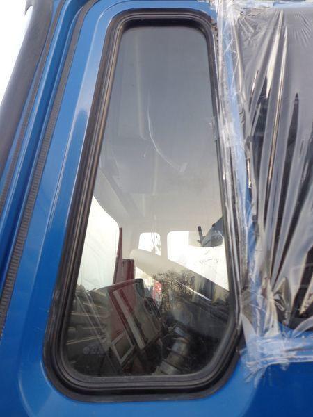 auto staklo  nepodemnoe za kamiona MAN 14
