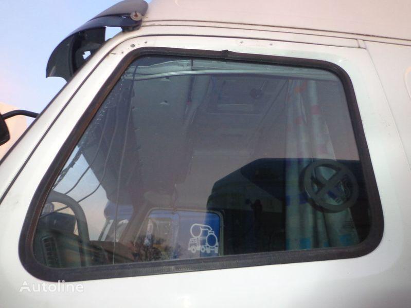 auto staklo za tegljača VOLVO FH