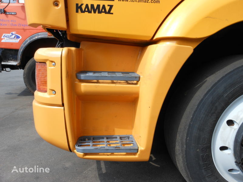 nova bočna stepenica za kamiona KAMAZ 65115