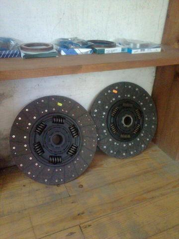novi disk kvačila  KAWE Holland 1878000948 , 21593944 , 85000537 , 7420707025 , 20525015 za tegljača VOLVO FH 12