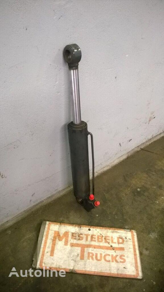 hidraulični cilindar MERCEDES-BENZ za kamiona MERCEDES-BENZ Cabine kantelcilinder Atego