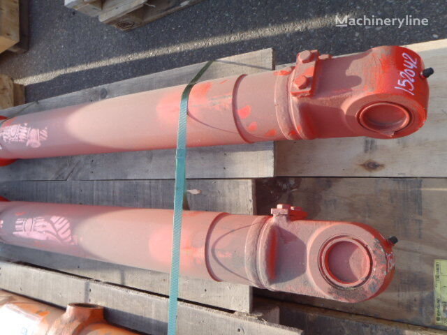 novi hidraulični cilindar NEW HOLLAND za bagera NEW HOLLAND