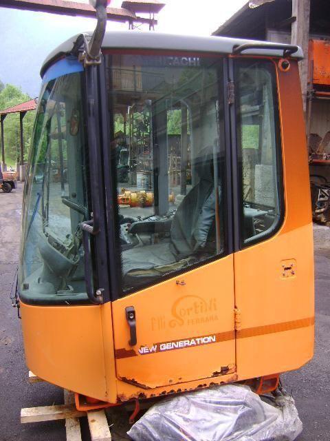 kabina za utovarivača točkaša FIAT-HITACHI W 230