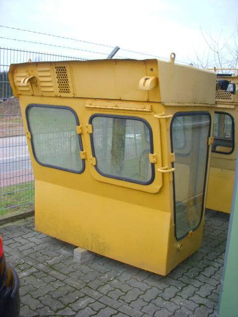 kabina za buldožera KOMATSU (290) Kabine / cab D 355