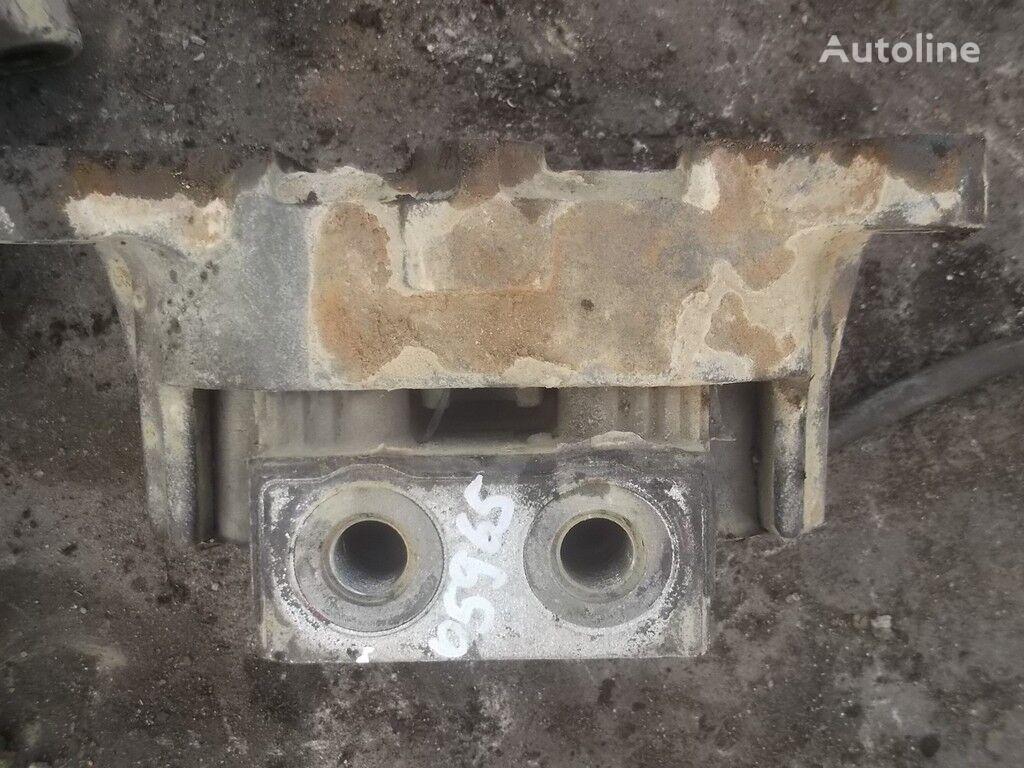 konzola motora  Mercedes Benz szadi za kamiona